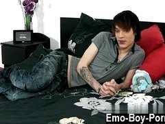 Gay twinks Hot emo youngster Lewis Romeo gets down and sloppy in his