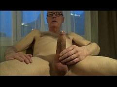 Perv Ulf Larsen wank ejaculate in hotel